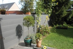 Graphite gravel boards creating a modern look.